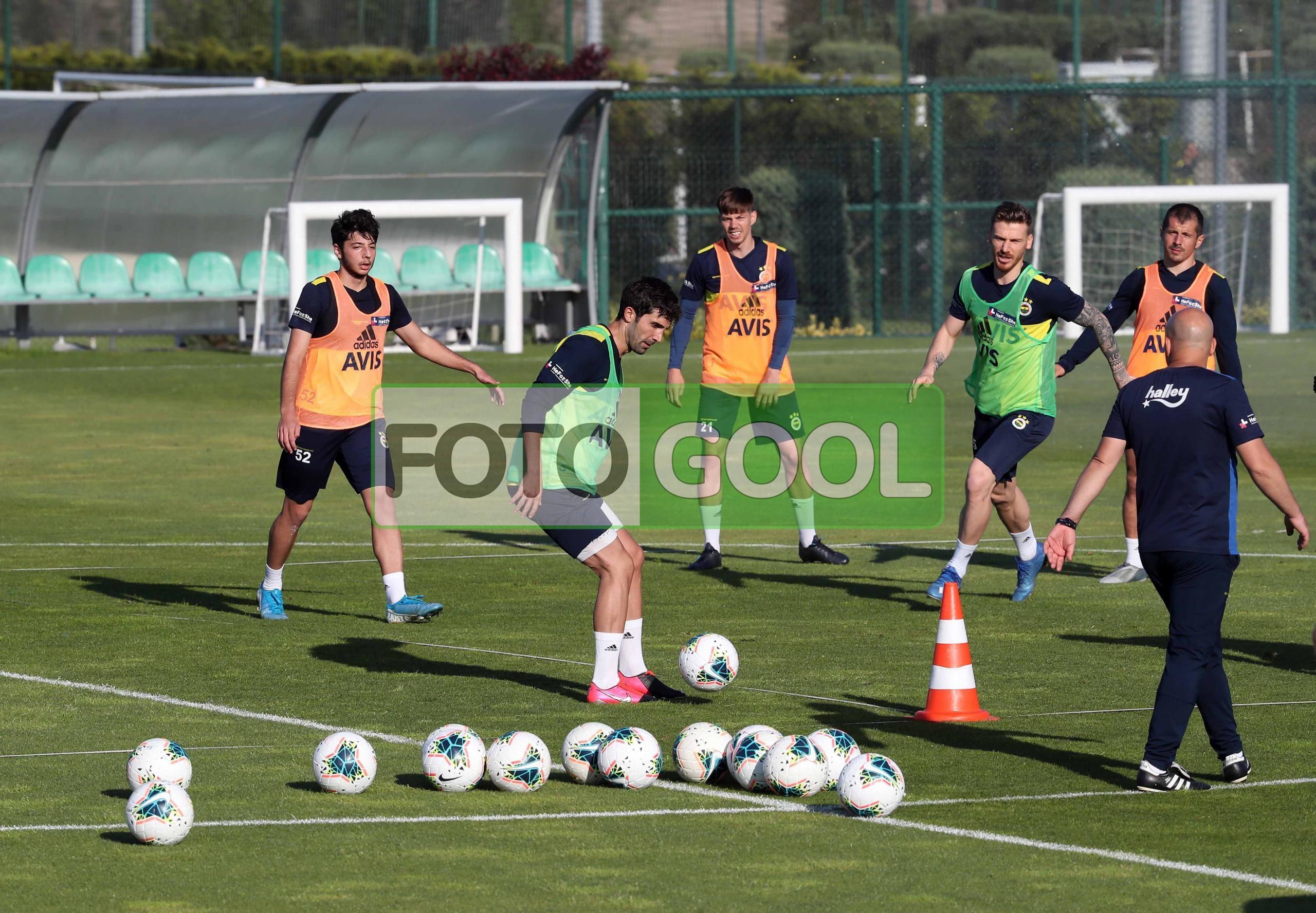 Fenerbahçe Riva'da hazırlanıyor
