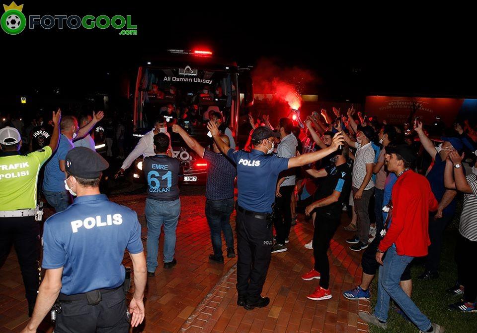 Trabzon'a Şampiyon karşılaması