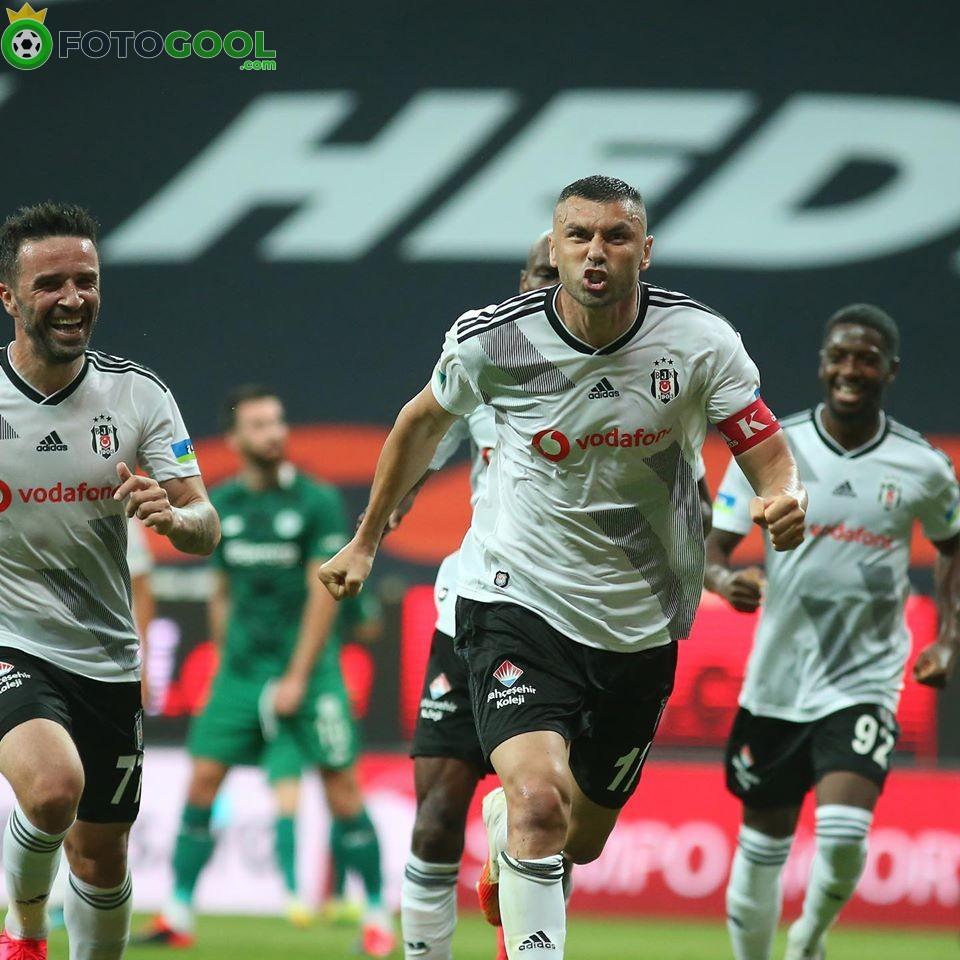 Beşiktaş  Konya karşısında rahat  kazanadı 3-0
