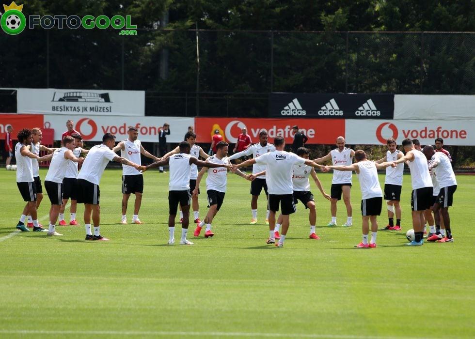 Beşiktaş yarın kampa giriyor