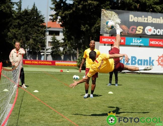 Galatasaray yenileme yapıyor.