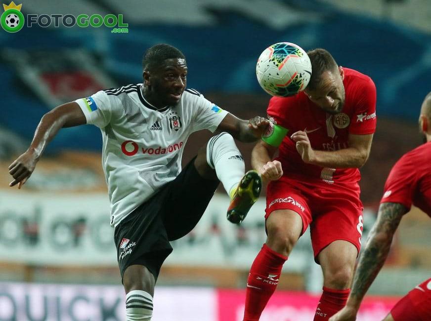 Beşiktaş evinde mağlup          1-2