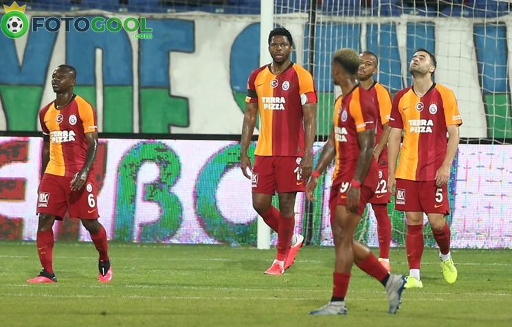 Galatasaray Rize'de adeta dağıldı