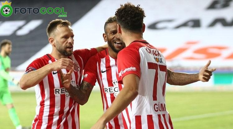 Antalya seriye bağladı 3-1