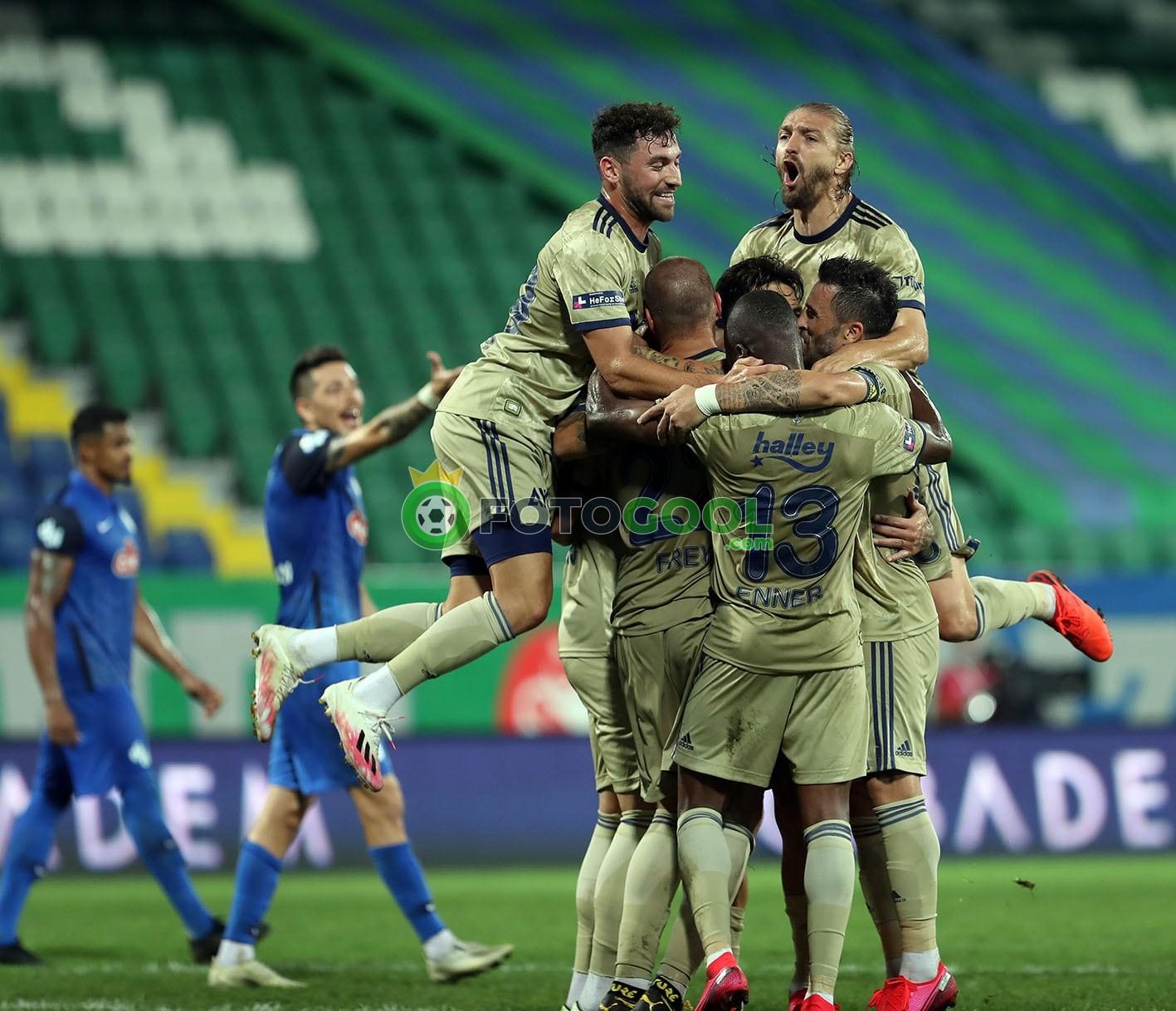 Fenerbahçe 3 puanla başladı 2-1