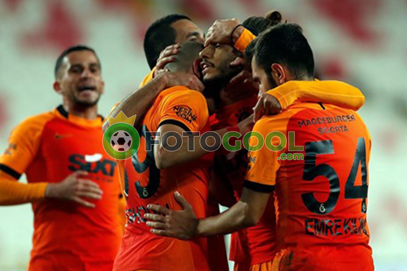 Galatasaray seriye bağladı 2-1