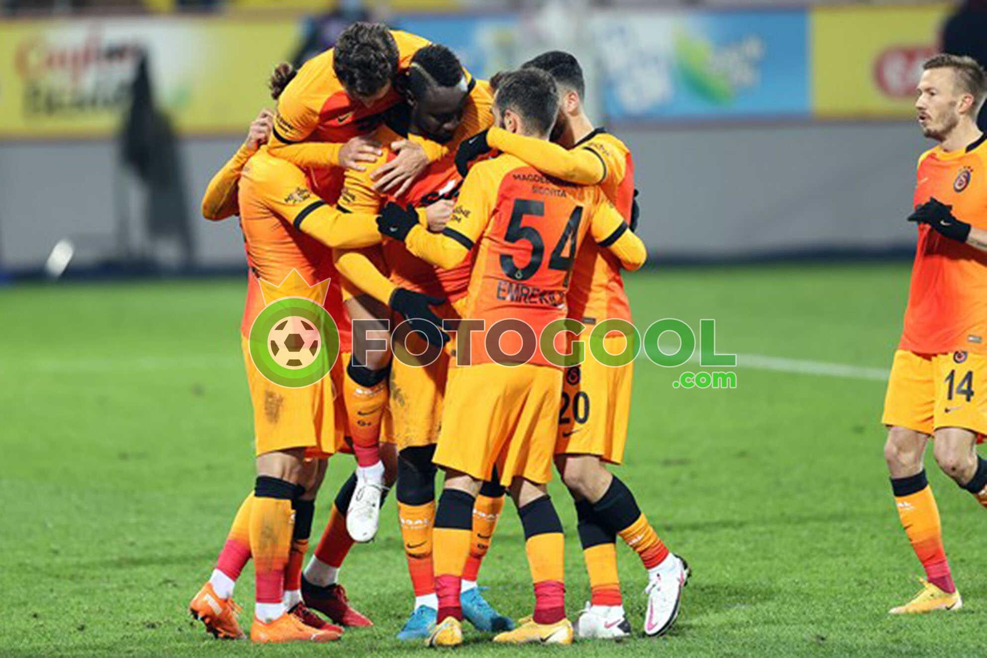 Galatasaray farka gitti. 4-0