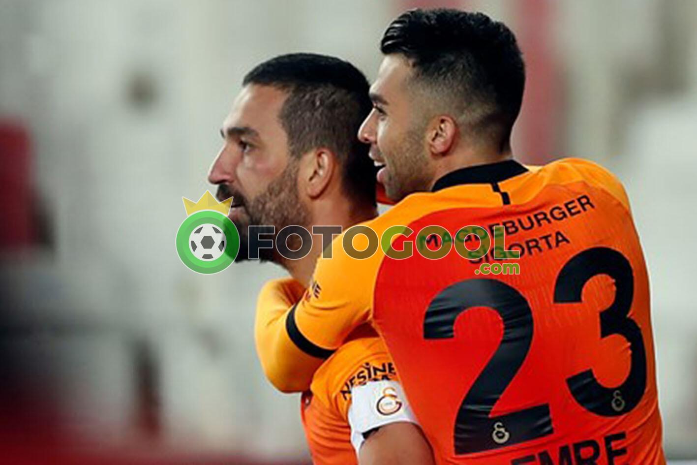 Galatasaray her zaman benim için bir sürü duyguyu barındırıyor.