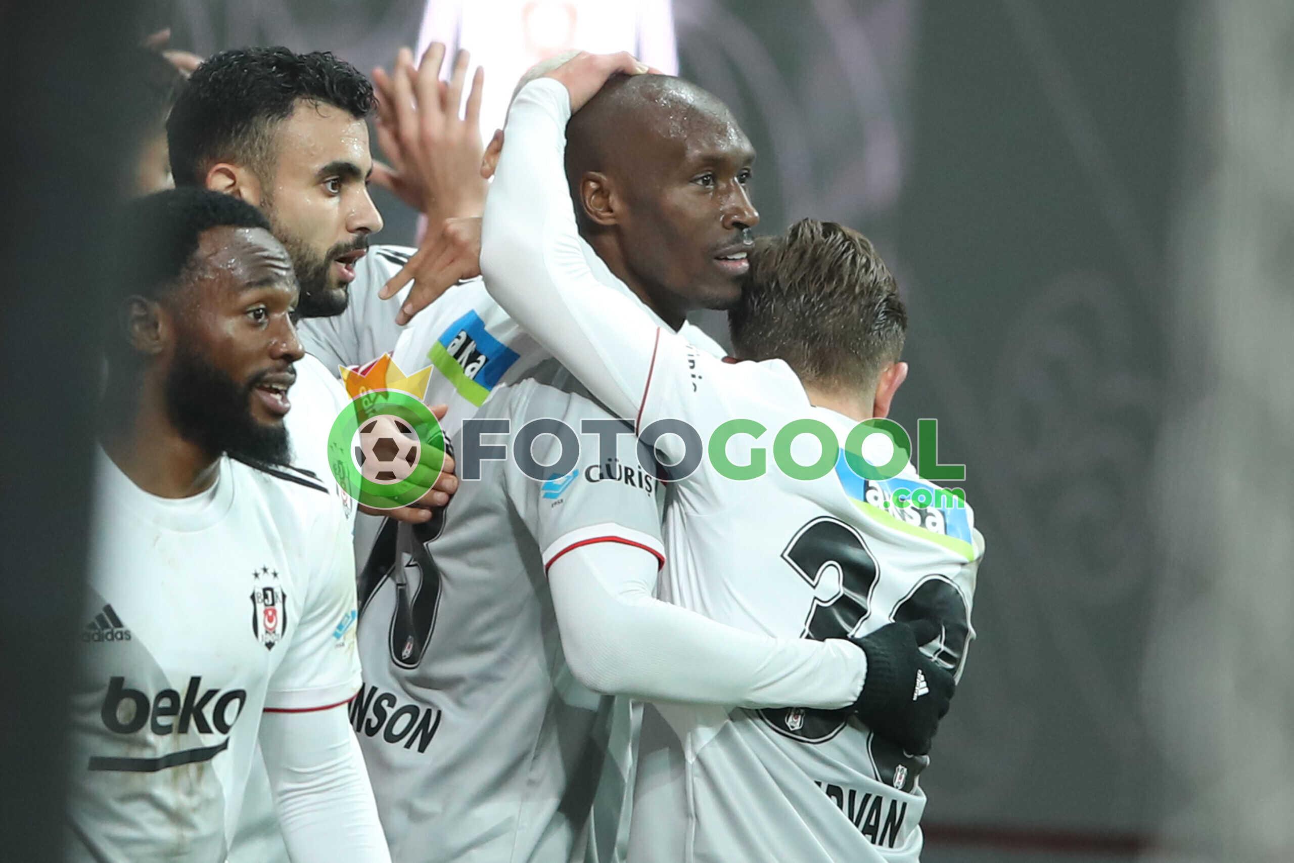 Beşiktaş kazanmaya devam etti. 3-0