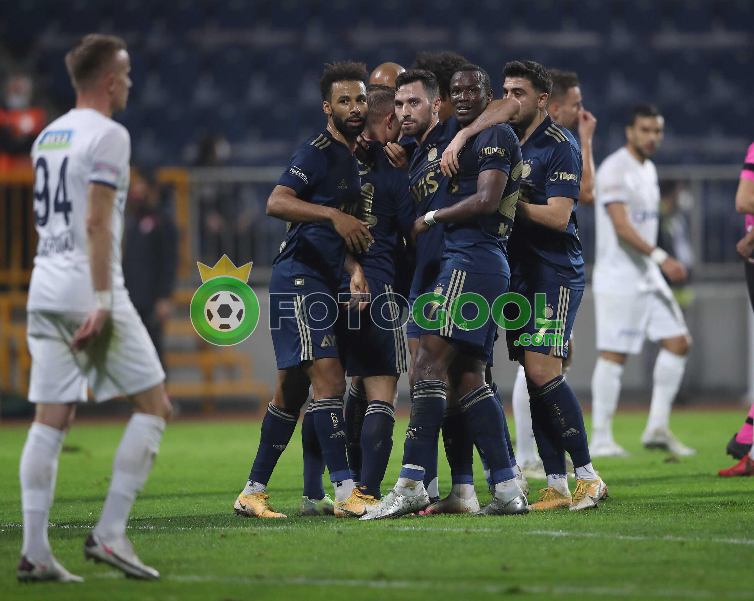 Fenerbahçe zirveye gözkırptı. 3-0