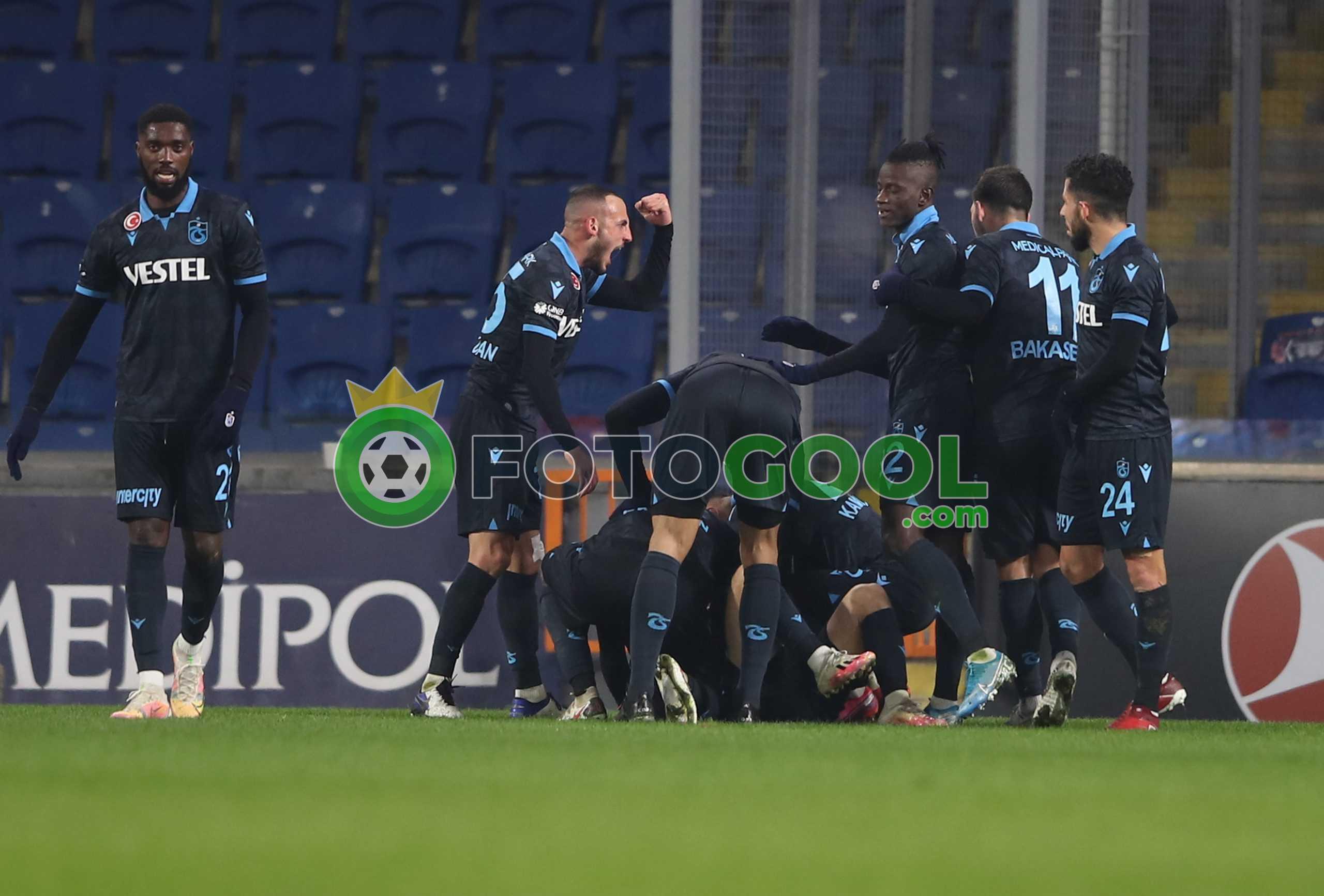 Trabzon yükselişte, Başakşehir düşüşte. 1-0