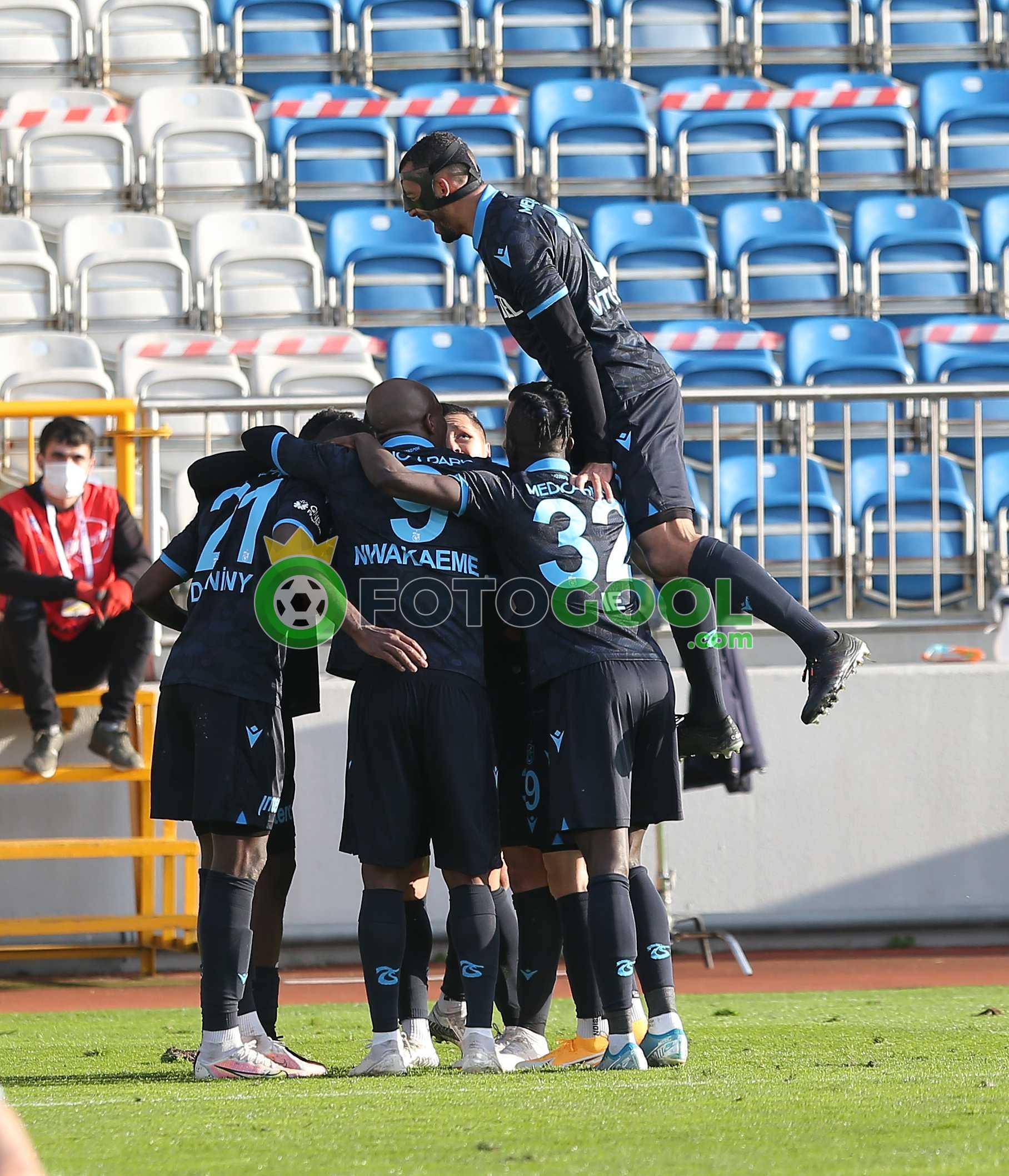 Trabzonspor , Kasımpaşa'dan üç puanla ayrıldı