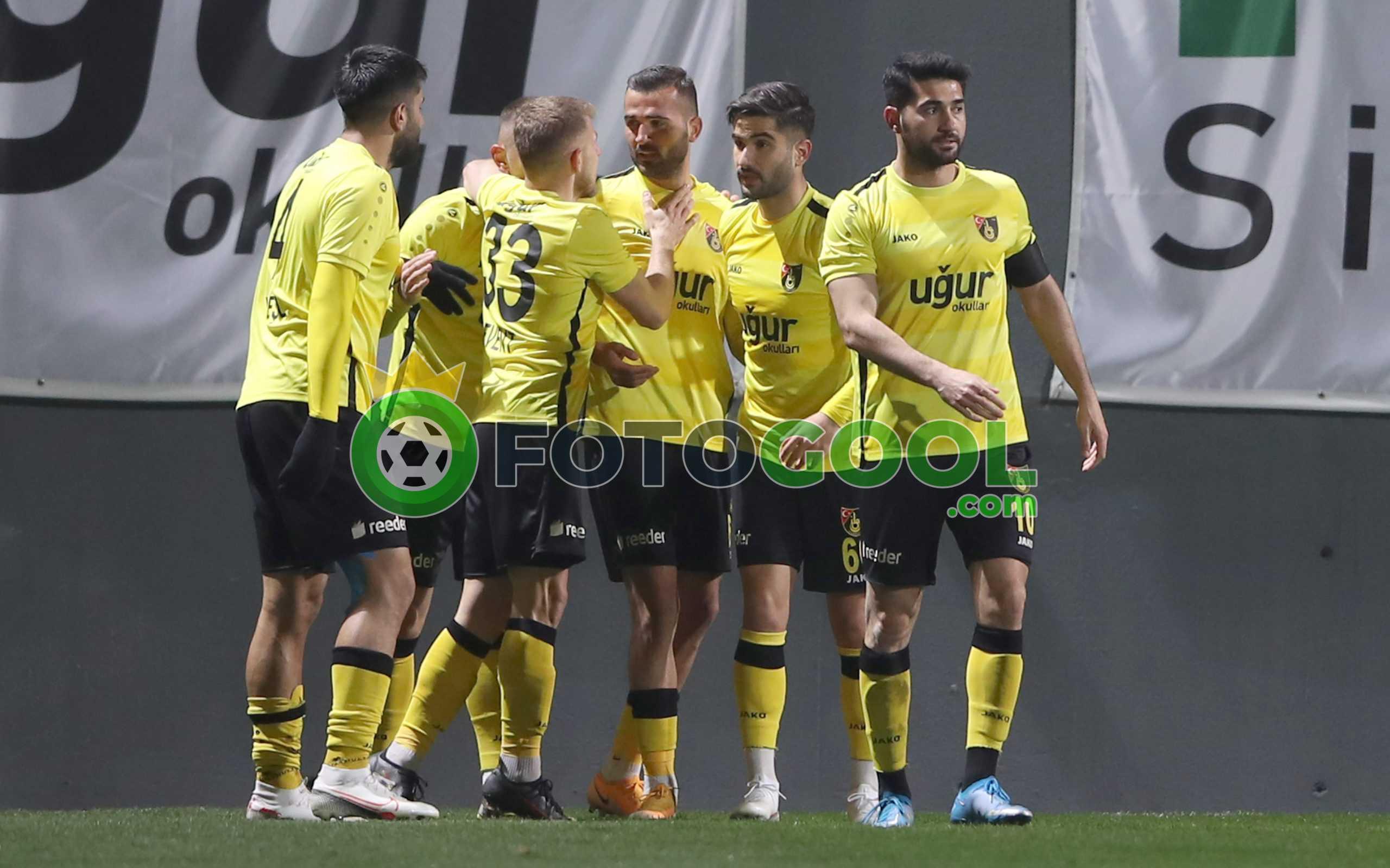 İstanbulspor'dan muhteşem geri dönüş 2-1