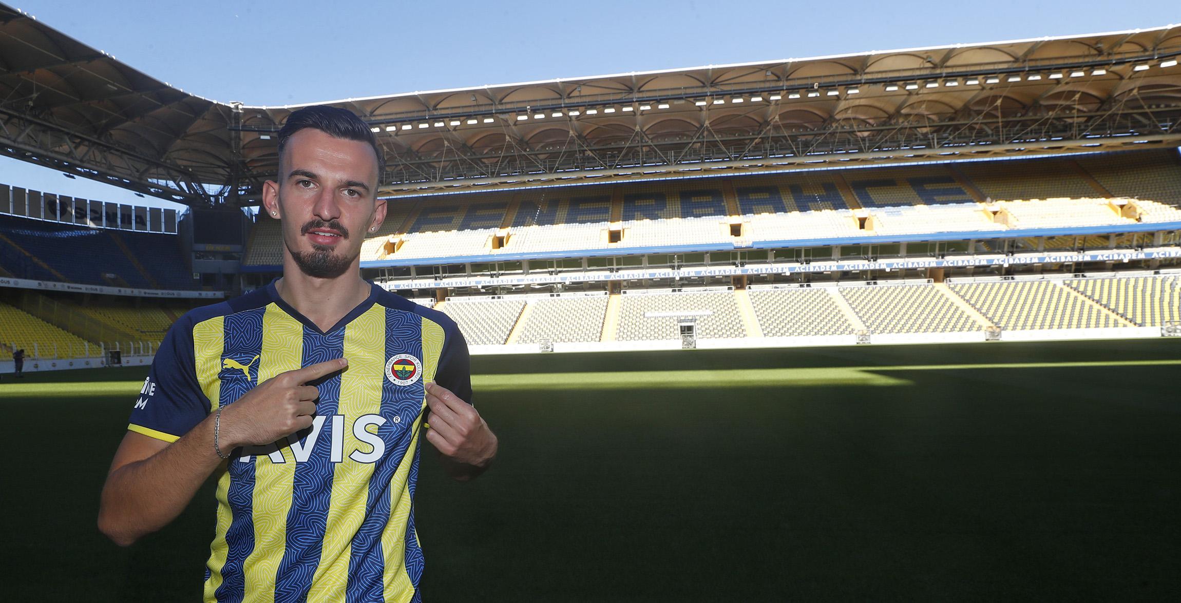 Berisha Fenerbahçe'de