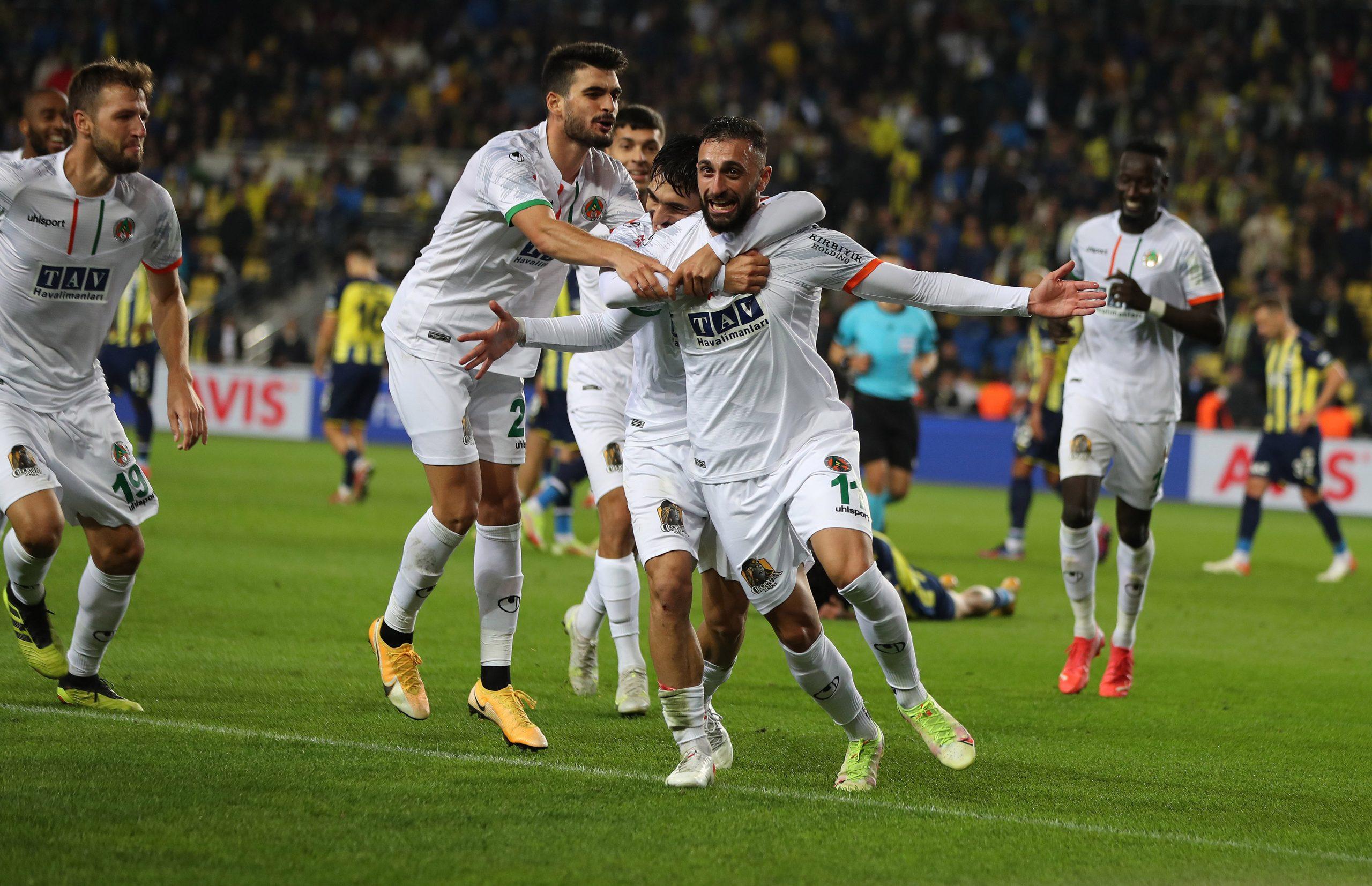 Fenerbahçe'ye Alanya şoku. 2-1